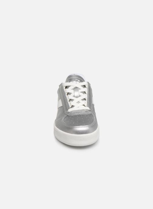 Baskets Diadora B.Elite L  Metallic Wn Argent vue portées chaussures