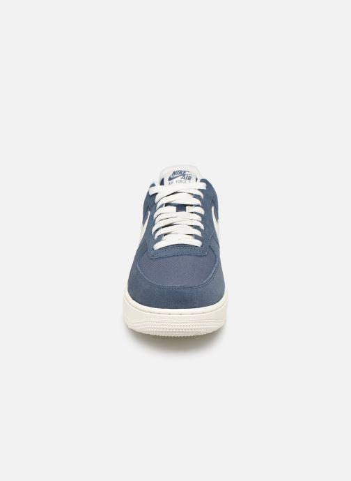 Baskets Nike Air Force 1 '07 2 Bleu vue portées chaussures