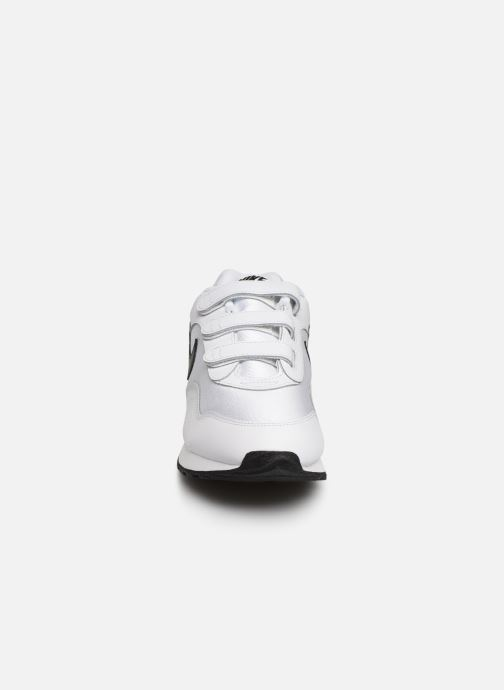 Trainers Nike W Nike Outburst V White model view