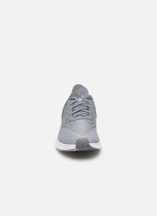 Chaussures de sport Nike Wmns Nike Zoom Winflo 6 Gris vue portées chaussures