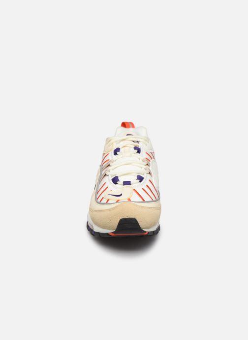 Baskets Nike Nike Air Max 98 Blanc vue portées chaussures