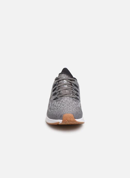 Chaussures de sport Nike Wmns Nike Air Zoom Pegasus 36 Gris vue portées chaussures