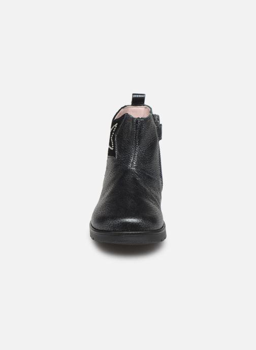 Stiefeletten & Boots Pablosky Dita grau schuhe getragen