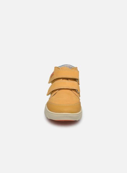 Sneaker Pablosky Piero gelb schuhe getragen