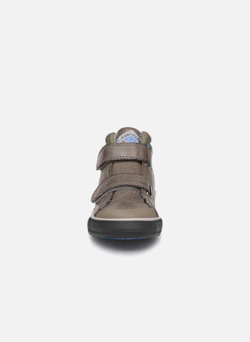 Baskets Pablosky Jim Gris vue portées chaussures