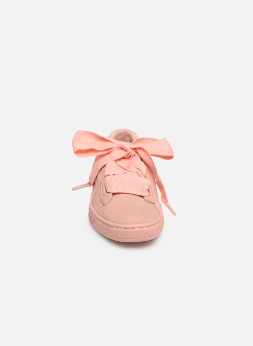 Baskets Puma W Suede Heart Ep Rose vue portées chaussures