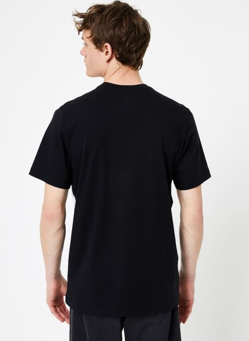 Vêtements Nike Tee-Shirt Swoosh Homme Nike Sportswear Noir vue portées chaussures