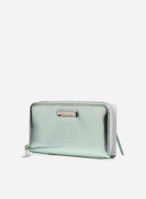 Marroquinería pequeña Tamaris Debra Big Zip Around Wallet Plateado vista del modelo