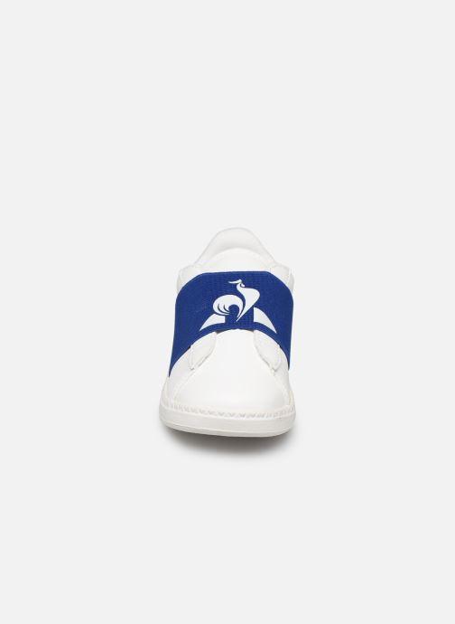 Baskets Le Coq Sportif Courtstar Inf Strap Blanc vue portées chaussures