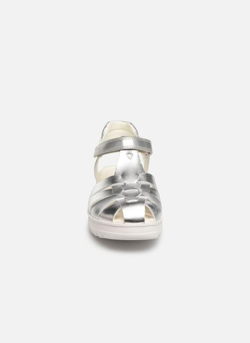 Sandali e scarpe aperte Geox J Sandale Coralie G. J826ED Argento modello indossato