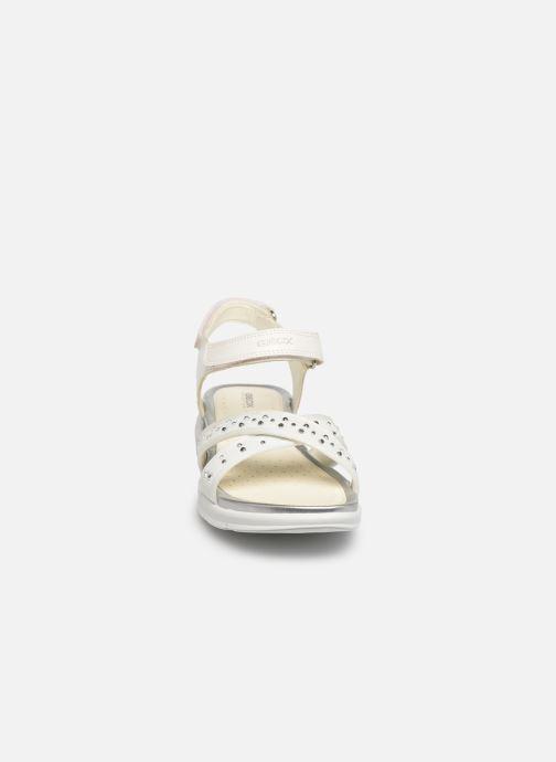 Sandales et nu-pieds Geox J Sandale Sukie G. J720VC Blanc vue portées chaussures