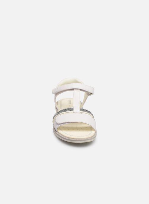 Sandales et nu-pieds Geox Jr Sandale Giglio J82E2B Blanc vue portées chaussures