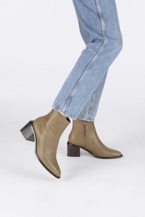 Bottines et boots Clergerie Xenia Beige vue bas / vue portée sac