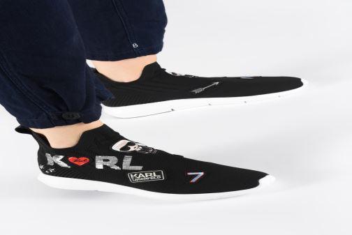 Sneakers Karl Lagerfeld Vitesse Jewel Badge Mid Zwart onder