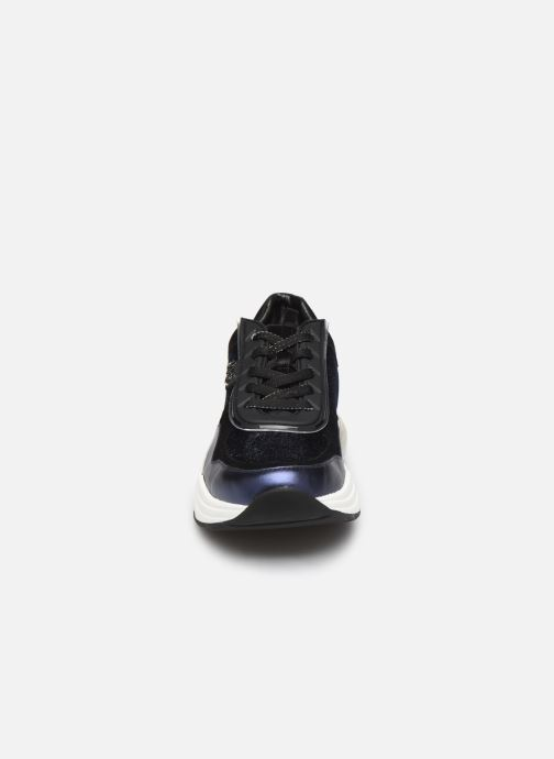 Baskets KARL LAGERFELD Ventura Lazare Velvet Lace Bleu vue portées chaussures