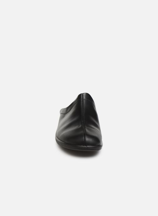 Pantofole Romika Präsident 450 Nero modello indossato