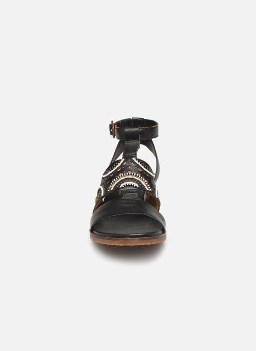 Sandales et nu-pieds Pikolinos Antillas W5K-MA0546 Noir vue portées chaussures