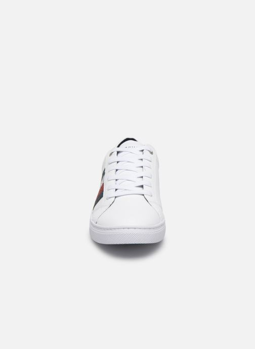 Baskets Tommy Hilfiger CRYSTAL LEATHER CASUAL SNEAKER Blanc vue portées chaussures
