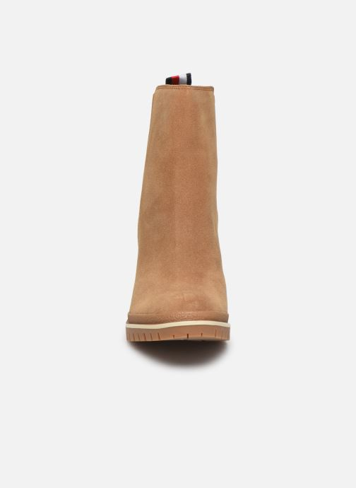 Bottines et boots Tommy Hilfiger SPORTY MID HEEL CHELSEA Marron vue portées chaussures