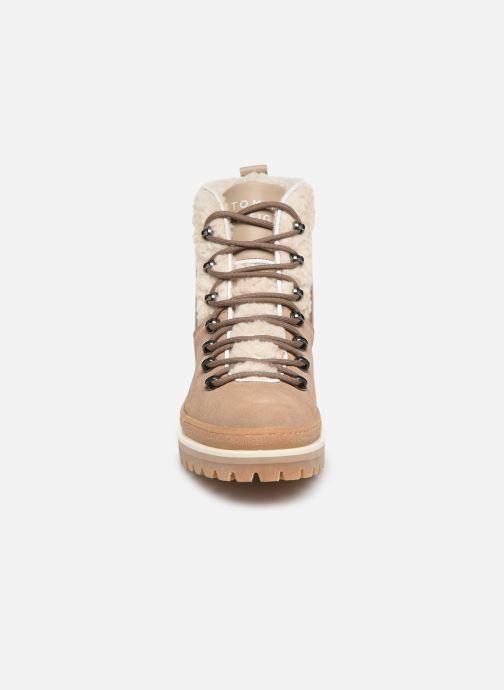 Bottines et boots Tommy Hilfiger COSY OUTDOOR BOOTIE Marron vue portées chaussures
