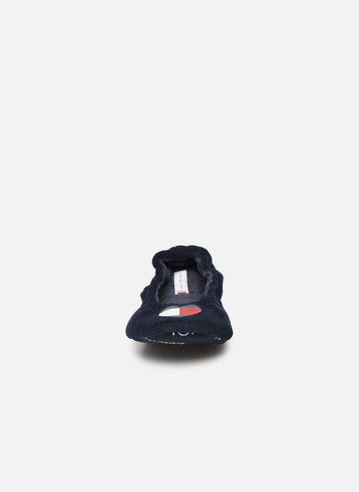 Chaussons Tommy Hilfiger TOMMY HEART TRAVEL PACK Bleu vue portées chaussures
