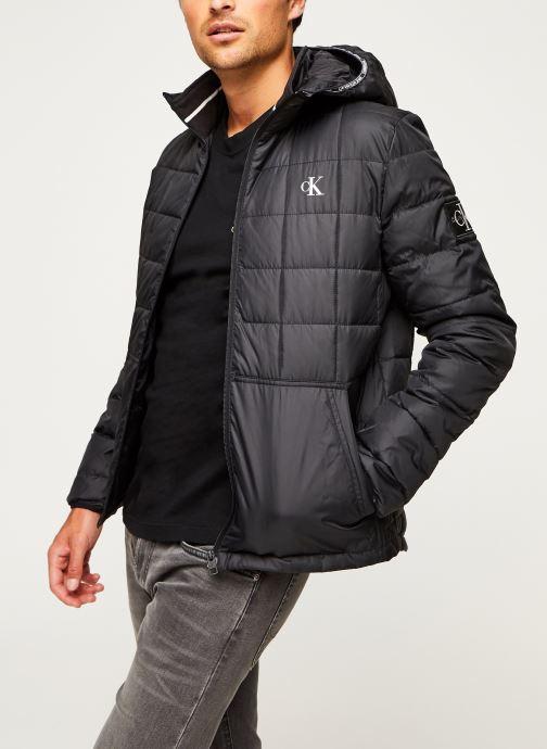 Vêtements Calvin Klein Jeans PADDED HOODED JACKET Noir vue détail/paire