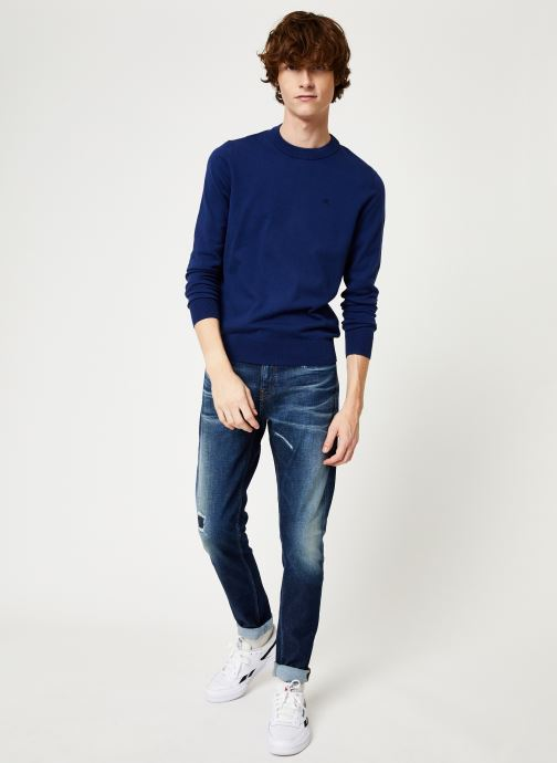 Vêtements Calvin Klein Jeans COTTON BLEND CN EMBRO SWEATER Bleu vue bas / vue portée sac