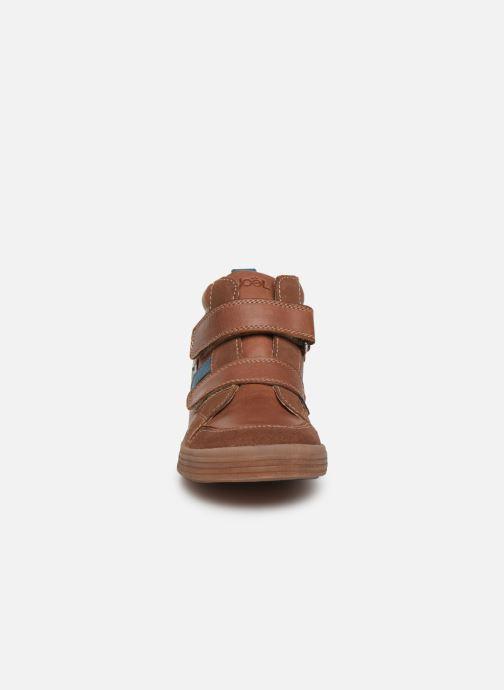 Baskets Noël Raoul Marron vue portées chaussures