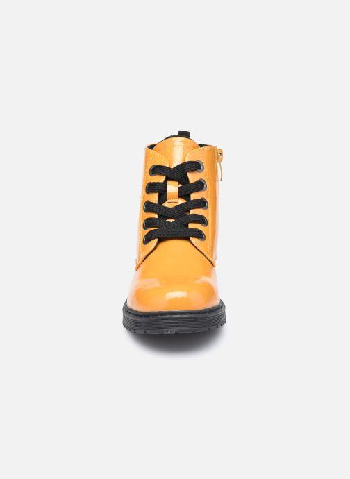 Stivaletti e tronchetti I Love Shoes SULIE Giallo modello indossato
