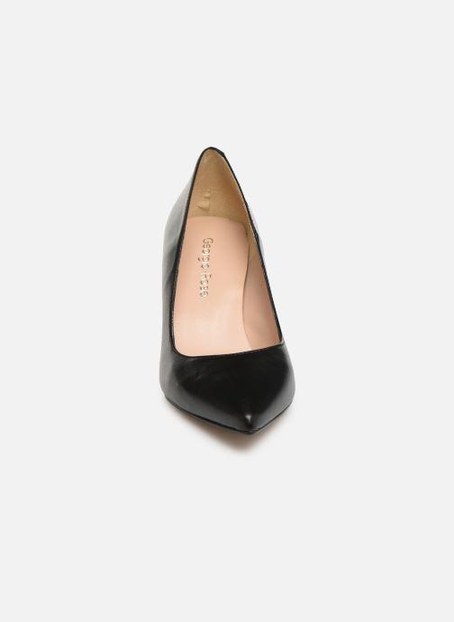 Zapatos de tacón Georgia Rose Sapic Negro vista del modelo