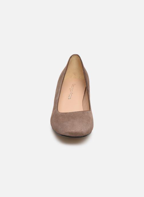 Zapatos de tacón Georgia Rose Seni Marrón vista del modelo