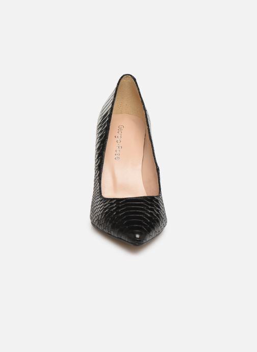 Zapatos de tacón Georgia Rose Snakal Negro vista del modelo