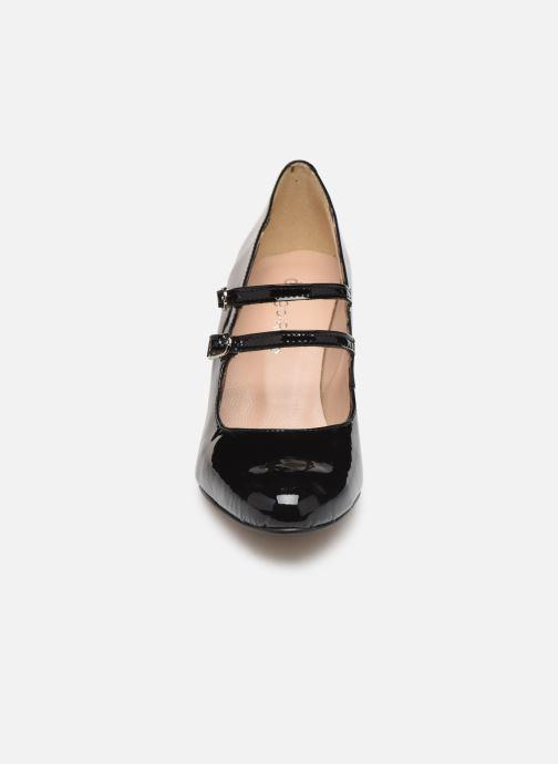 Zapatos de tacón Georgia Rose Sarola Negro vista del modelo