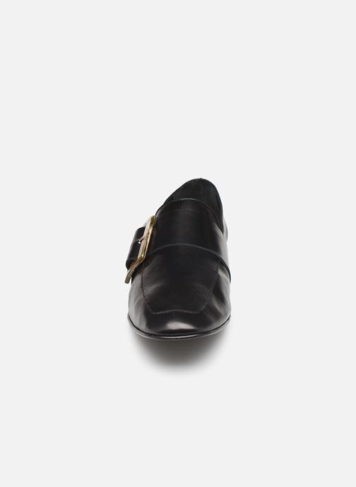 Loafers Flattered Vienna C Black model view