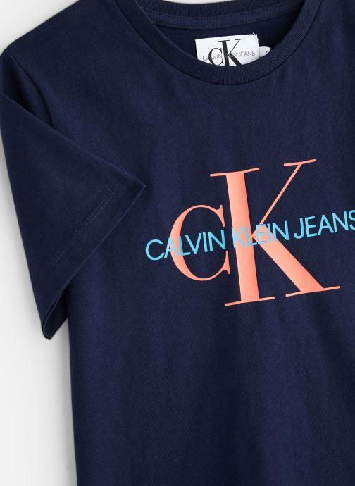 Vêtements Calvin Klein Monogram Oco Tee Noir vue portées chaussures