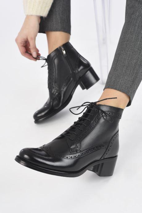Bottines et boots Georgia Rose Norivo Noir vue bas / vue portée sac