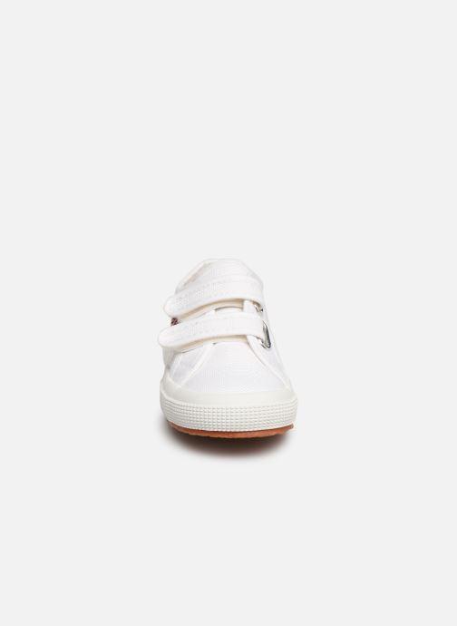 Sneaker Superga 2750 J Velcro E C2 weiß schuhe getragen