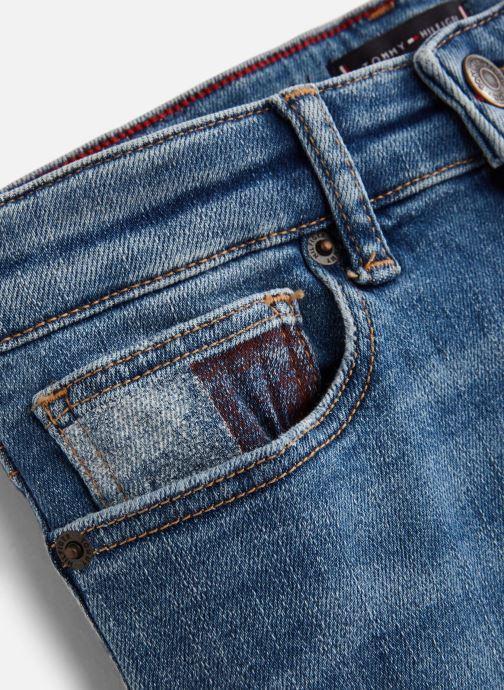 Vêtements Tommy Hilfiger Steve Slim Tapered Shorts Bleu vue portées chaussures