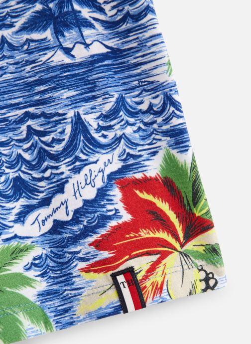 Vêtements Tommy Hilfiger Aop Hawaiian Tee Bleu vue portées chaussures