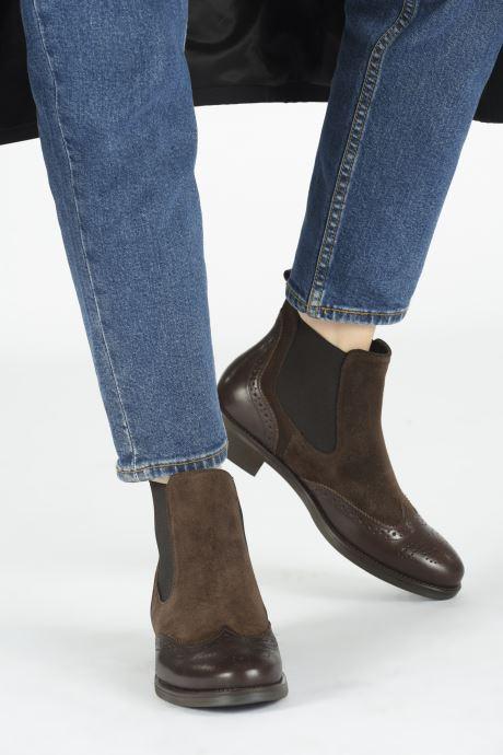 Bottines et boots Georgia Rose Abiga Marron vue bas / vue portée sac