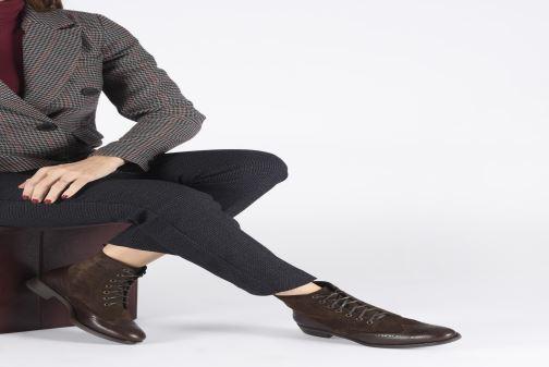 Bottines et boots Georgia Rose Alfa Marron vue bas / vue portée sac