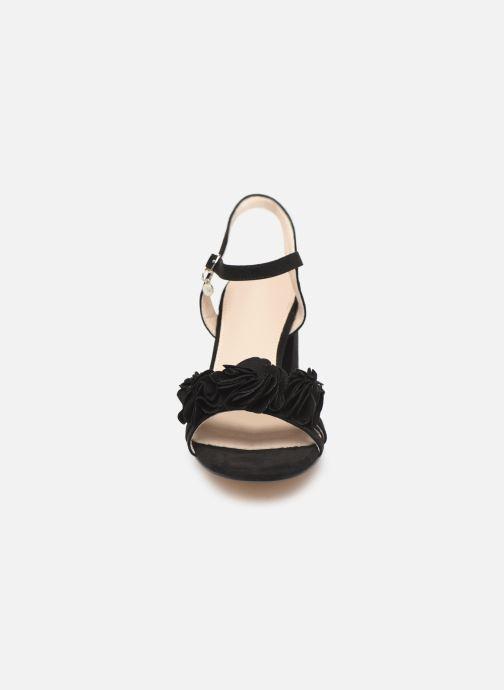 Sandales et nu-pieds Xti 30714 Noir vue portées chaussures
