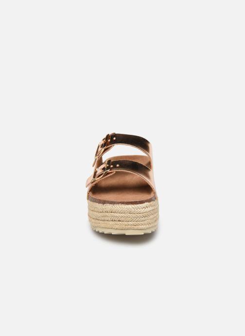 Mules et sabots Xti 33796 Or et bronze vue portées chaussures