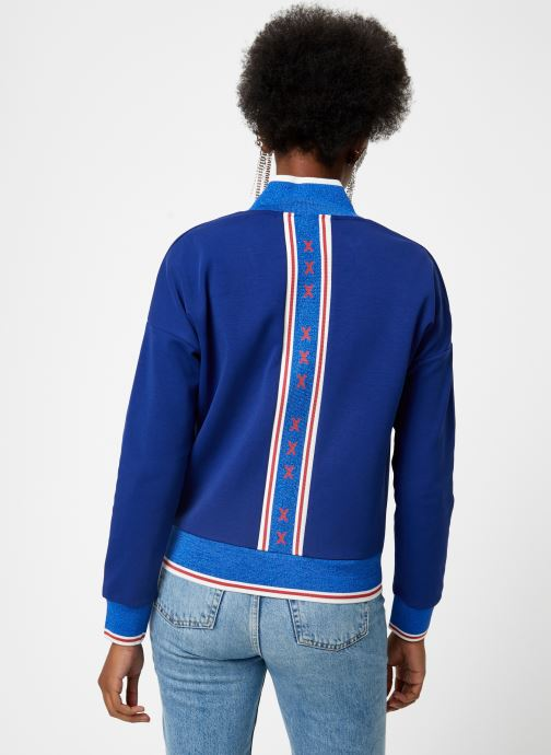 Vêtements Maison Scotch Sporty jacket in sweat quality Bleu vue portées chaussures