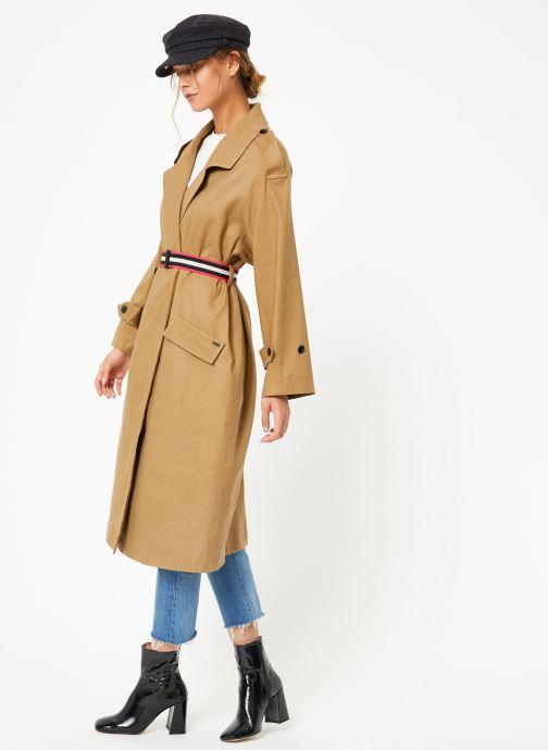 Vêtements Maison Scotch Longer length drapy trench coat comes with a waist-belt Beige vue bas / vue portée sac