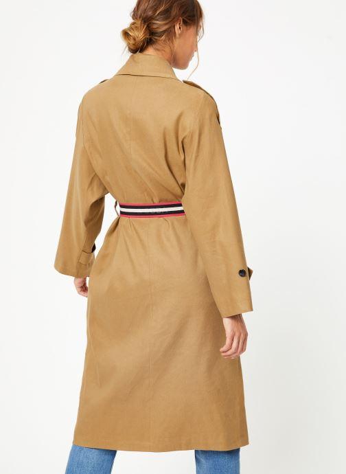Vêtements Maison Scotch Longer length drapy trench coat comes with a waist-belt Beige vue portées chaussures