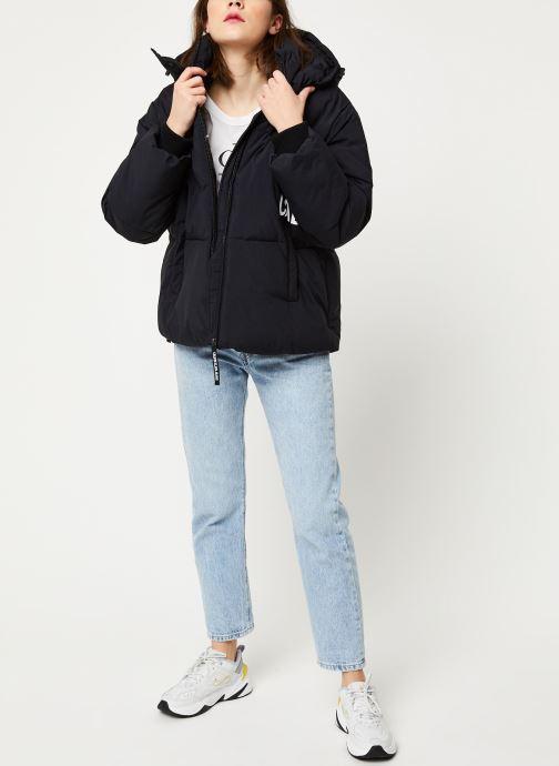 Vêtements Calvin Klein Jeans OVERSIZED LOGO PUFFER Noir vue bas / vue portée sac