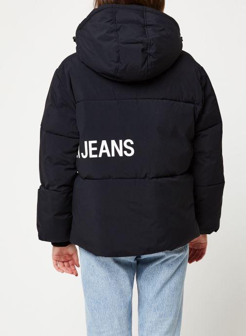 Vêtements Calvin Klein Jeans OVERSIZED LOGO PUFFER Noir vue portées chaussures