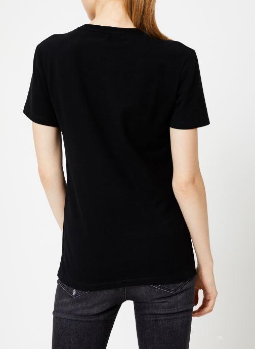 Vêtements Calvin Klein Jeans INST LOGO STRETCH SLIM TEE Noir vue portées chaussures