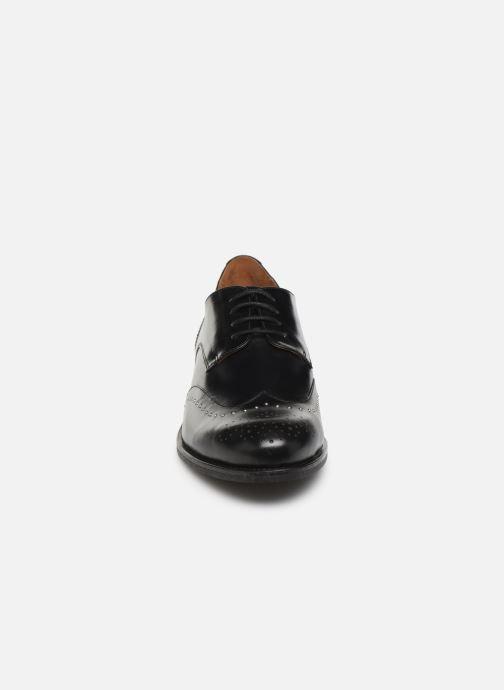 Zapatos con cordones Georgia Rose Edda Negro vista del modelo